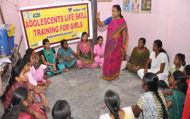 © ANDHERI HILFE e.V. ACDS_Training für junge Frauen